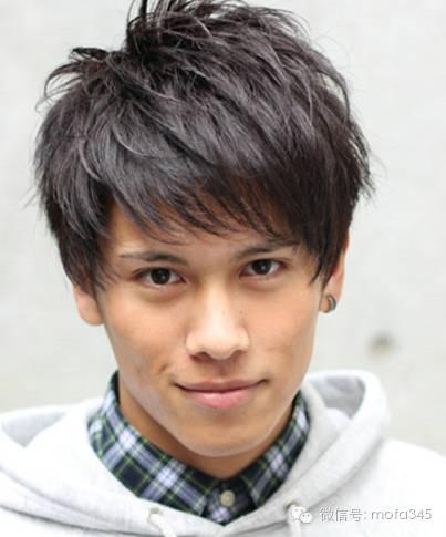 韩式男生直刘海短发发型,清爽帅气!图片