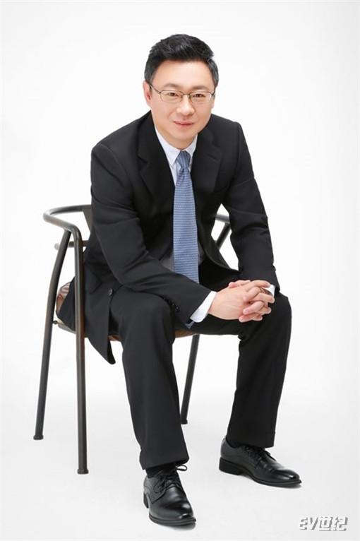 4、威马汽车销售公司执行副总经理凌海.jpg