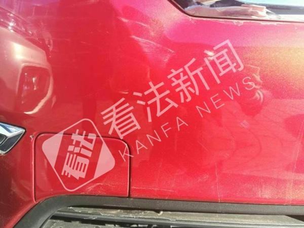 新车未提先遭剐蹭_律师:有权更换新车