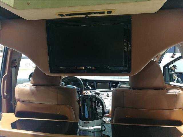 原价20万的国产保姆车,自带KTV包厢,200万大奔都跪了