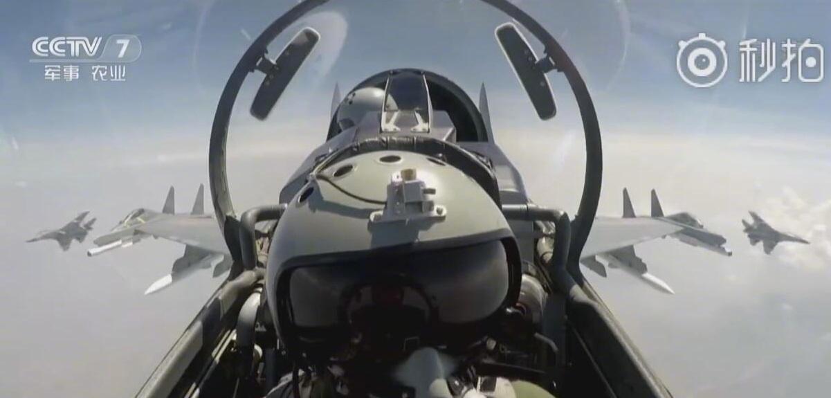 中国进攻型战机突破100架!飞行员却不够用了?