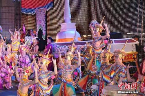 媒体:中国新婚夫妇赴泰国旅游被遣返 只因没带