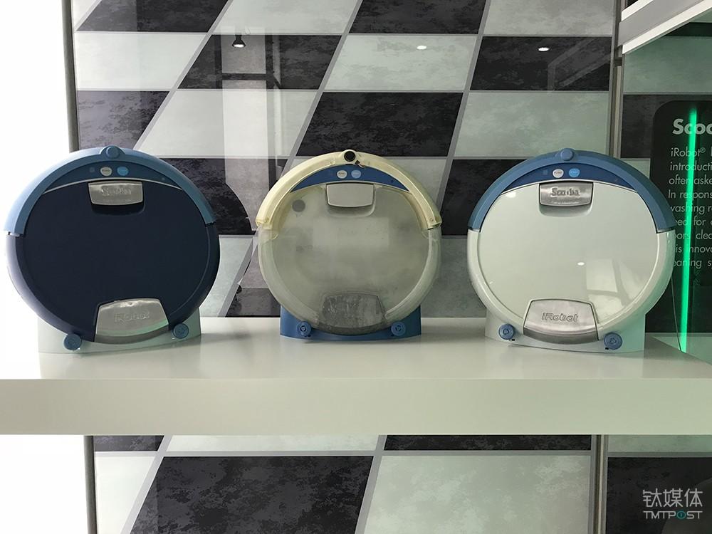 最早期的几代Roomba产品