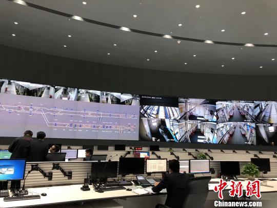 14号线知识城支线地铁控制中心。 方俊明 摄