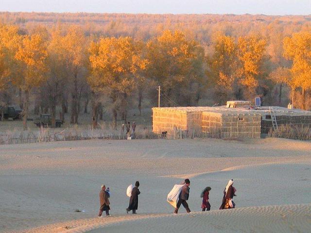 世界第二大沙漠里的古村落,住着神秘族群,被探险家称为世外桃源