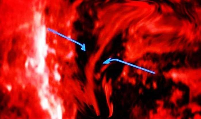 中国天眼发现银河系时空裂缝, 穿越空间或将成真?