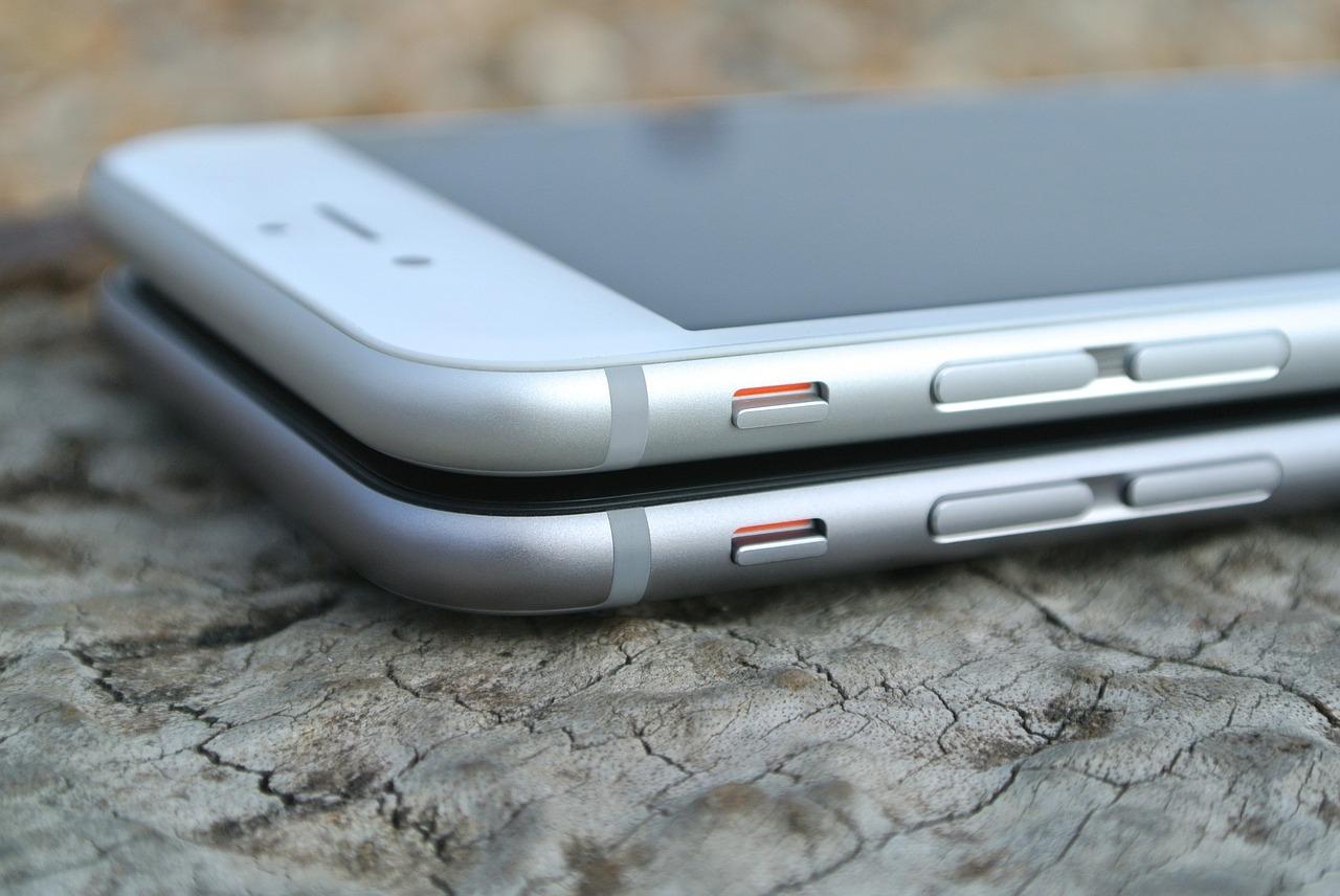 """苹果""""降频门""""背后:他们或因此损失100亿美元"""