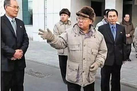 金正恩织梦网的十套妆扮