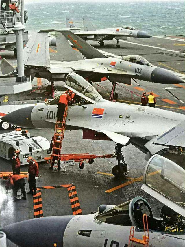 歼15这项本领苏33不具备,将在歼15B上进一步加强
