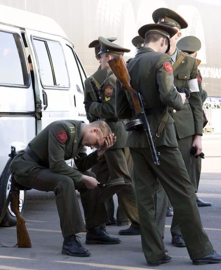 AK47是自动步枪,为何在中国却称为56式冲锋枪?!