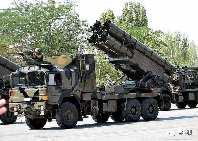 火箭炮该怎么发展:射程短精度高?还是超远射程?