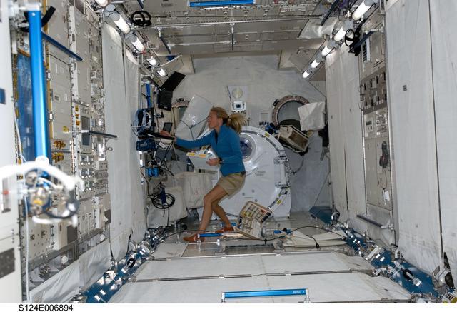 日本宇航员声称在空间站长高9厘米,俄国站长打脸不可能