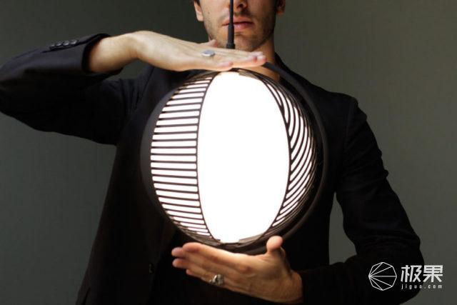 """装在""""鸟笼""""里的地球仪灯,随手转一下秒换造型"""