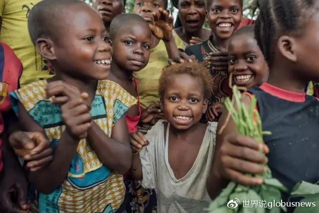 Lokolama村的儿童来源:Kevin McElvaney/Greenpeace