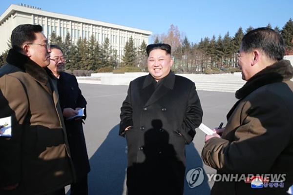 金正恩视察朝鲜国家科学院 韩媒称其新年后首次露面