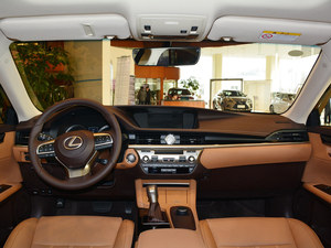 雷克萨斯ES报价 上海现车优惠1.2万元