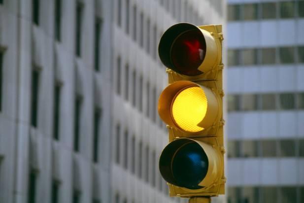 刚过停止线就变红灯,这样的情况你遇到过吗?算不算闯红灯?