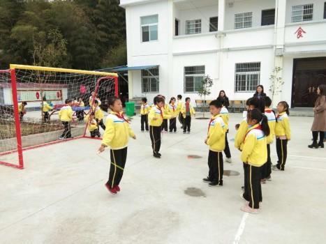 圆乡村孩子的体育梦,中国大地保险一直在行动