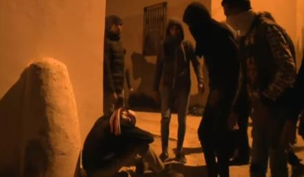 突尼斯多地爆发示威抗议物价上涨 近800人被捕