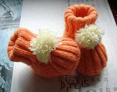 婴儿鞋编织步骤: 起针:起8针,可根据实际情况,增减针数