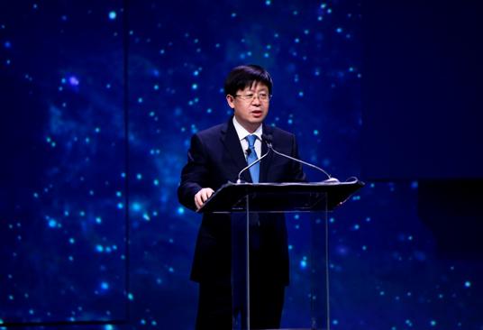 海信集团总裁刘洪新在CES前夕做主题演讲