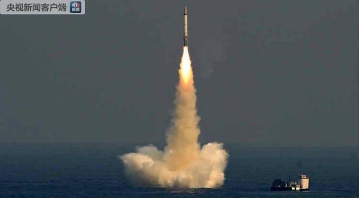 今天上午,印度试射了5000公里射程的洲际导弹