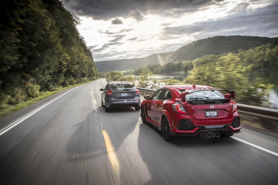 TYPE R vs 福克斯RS:前驱不死