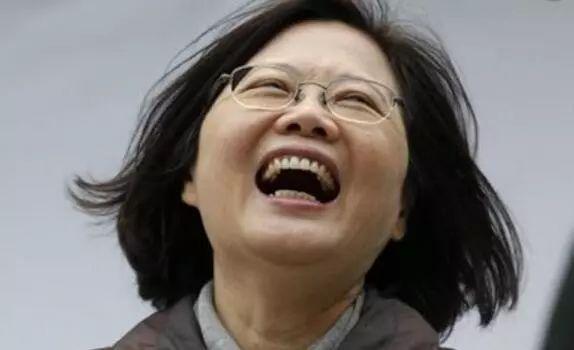 陈水扁拉500多人社交群组 每天傍晚发文讽蔡英文-界面设计公司