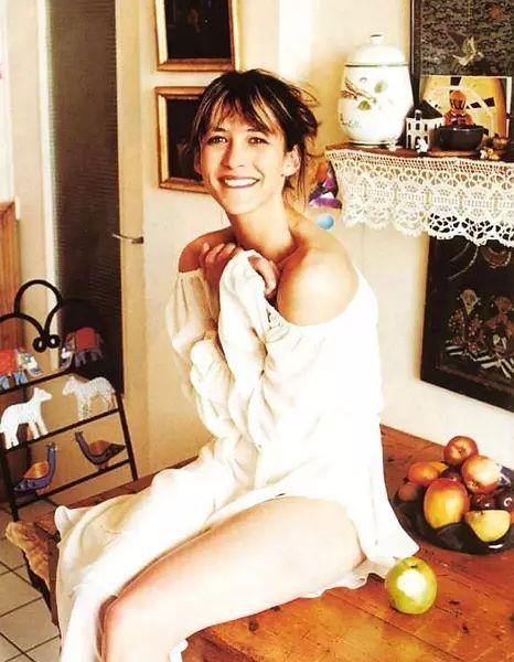 52岁的苏菲・玛索又活成了世上最美的女人