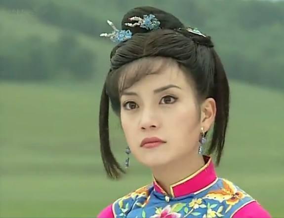 曾在《还珠格格》饰演不起眼的丫鬟彩霞,如今变身董事长身价不菲