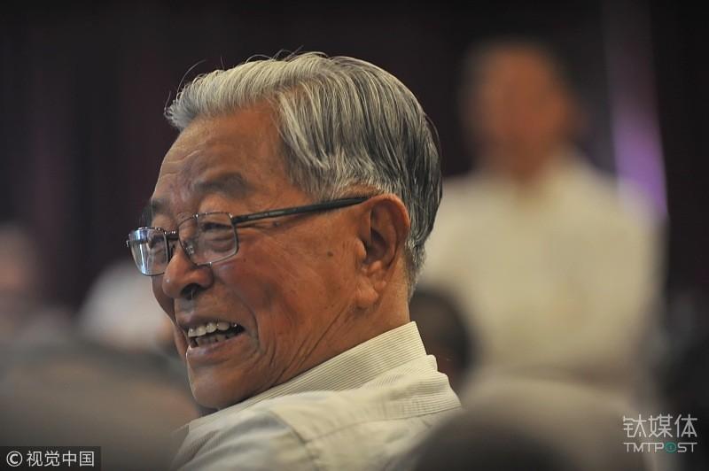 90岁的褚时健告诫创业者:年轻人不要太心急
