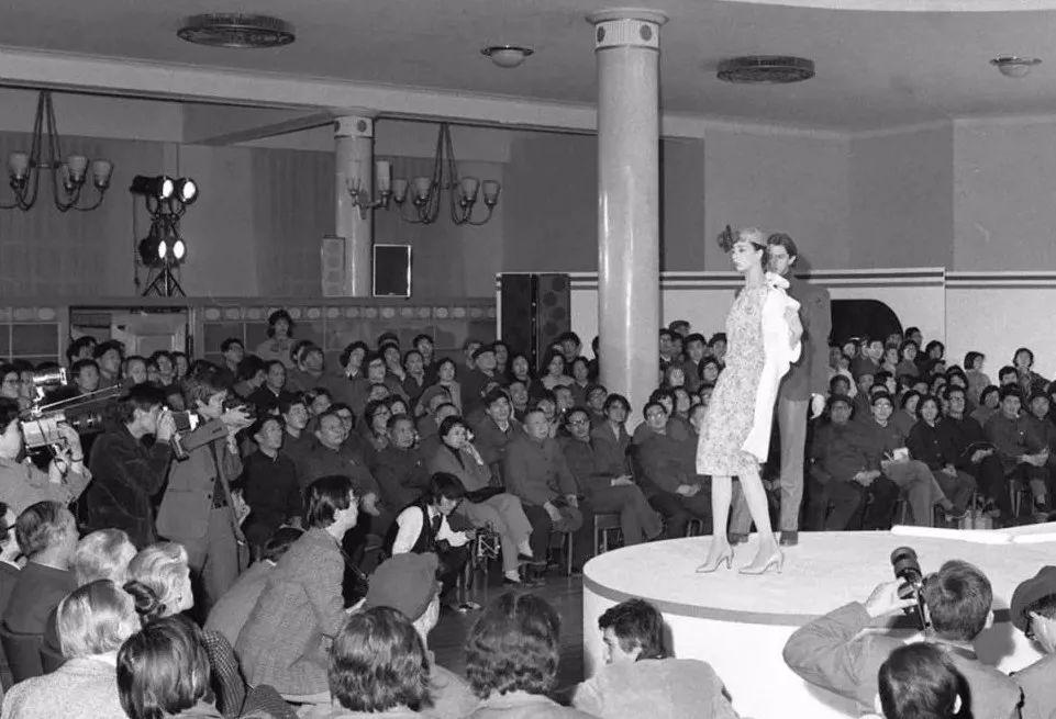 痞子!流氓!喇叭裤为何在80年代掀起轩然大波?