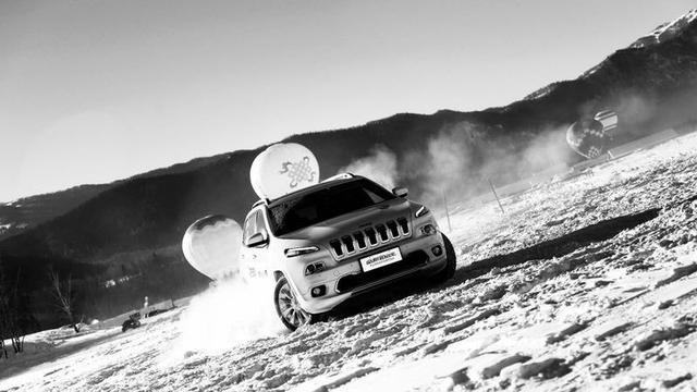 Jeep 4X4 你在南方的阴冷里黯然神伤 我在北方的冰雪里激情昂扬