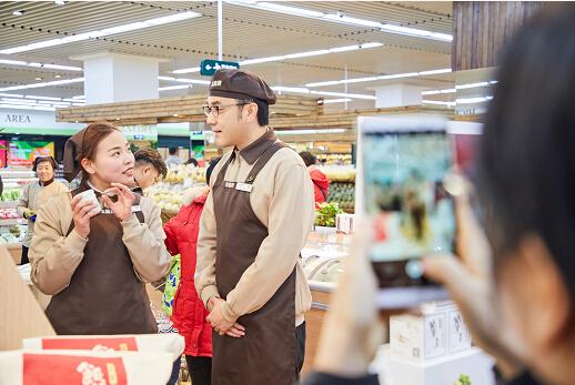 """超市促销员""""撞脸""""林依轮?图片"""