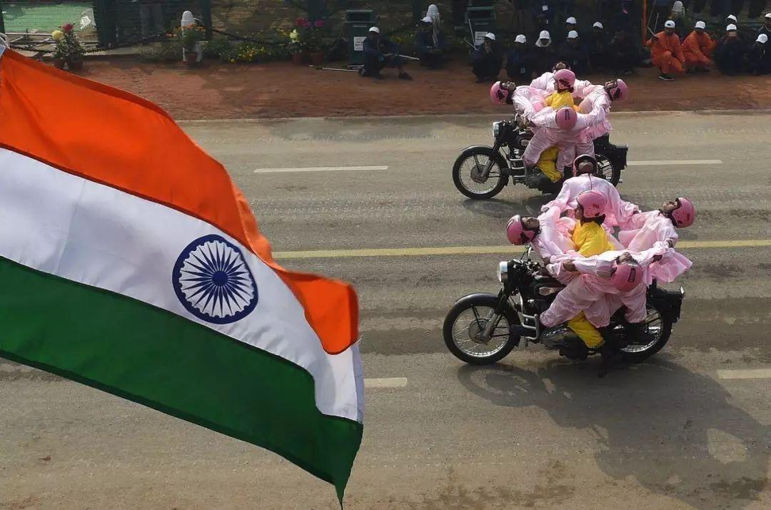 印度阅兵式总有神奇味道的摩托表演?说说这支摩托部队的来龙去脉