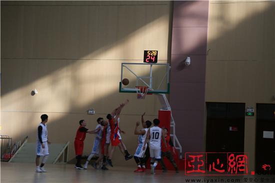 """新疆和硕县""""迎新春""""篮球赛如期开赛"""