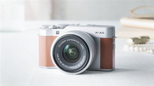 富士X-A5搭配XC 15-45mm F3.5-5.6 OIS镜头套机