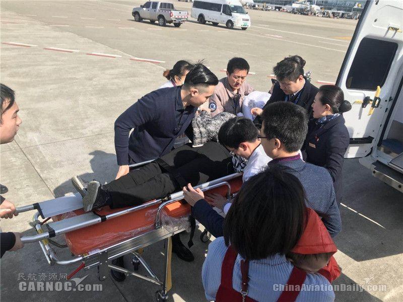 中国联航紧急备降南昌 救助机上患病旅客