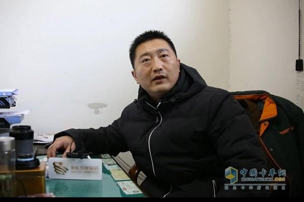 阜阳经济开发区邮政营业网点负责人郝鹏伟