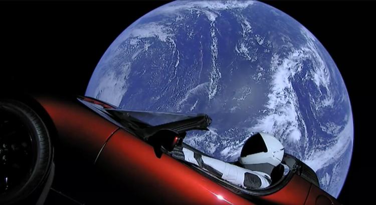 首发世界上最强大火箭,搭载特斯拉跑车 (观看燃爆发射视频!发