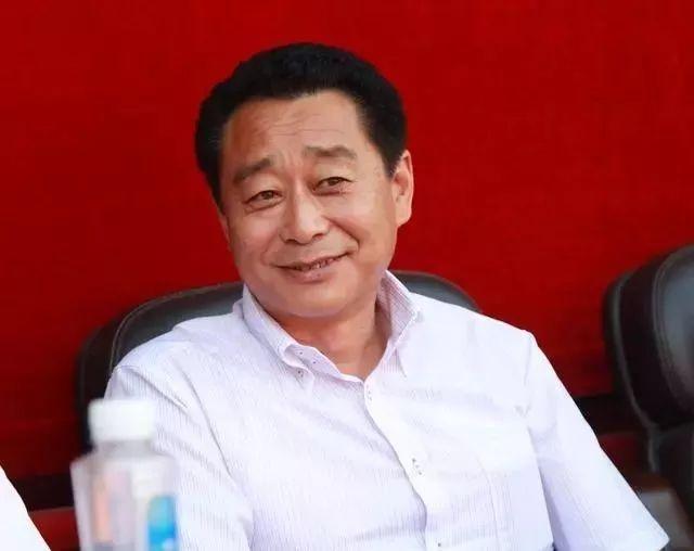 中国第一批开法拉利、劳斯莱斯、迈巴赫的人,如今怎么样了?