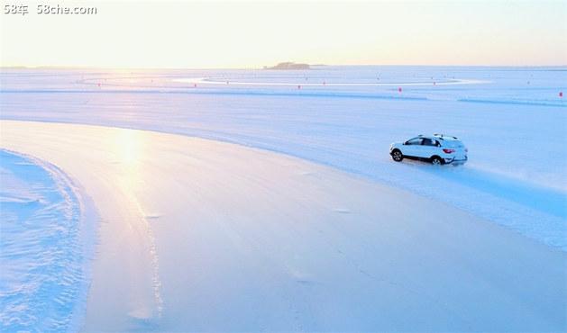 北汽新能源EX360官图发布 续航超318km