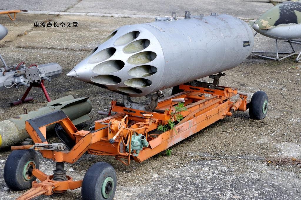 SU-35刚露面就打火箭弹 那么它到底能打多少种火箭弹?