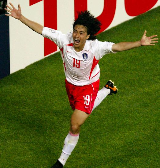 """杀猪刀!2002世界杯功臣冬奥开幕式传圣火,""""韩国小贝""""变月半"""