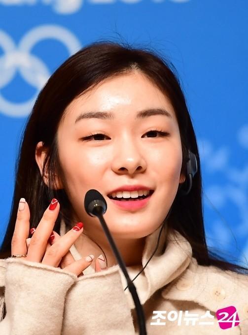 韩迷力挺金妍儿史上最美火炬手 扬言让北京冬奥难以超越