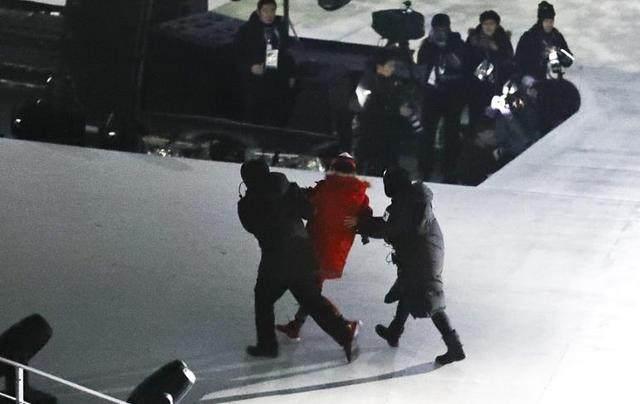 冬奥火炬台被烧焦!韩国制造太差 网友:劣质泡菜坛子