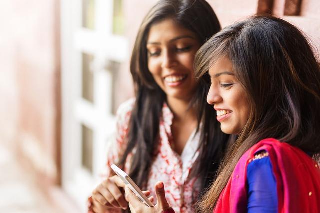 外国人问印度人拥有智能手机吗?印度网民回答