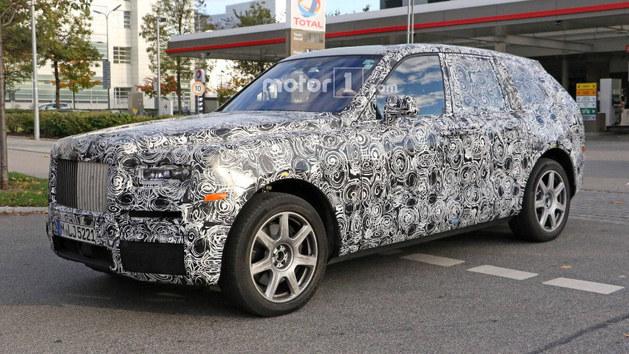 劳斯莱斯SUV正式定名库里南 年底上市