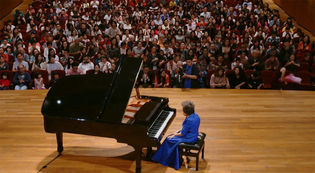 1.80金币合击559U搜服网当88岁的她用双手按下琴键,世界突然安静冷静僻静下来