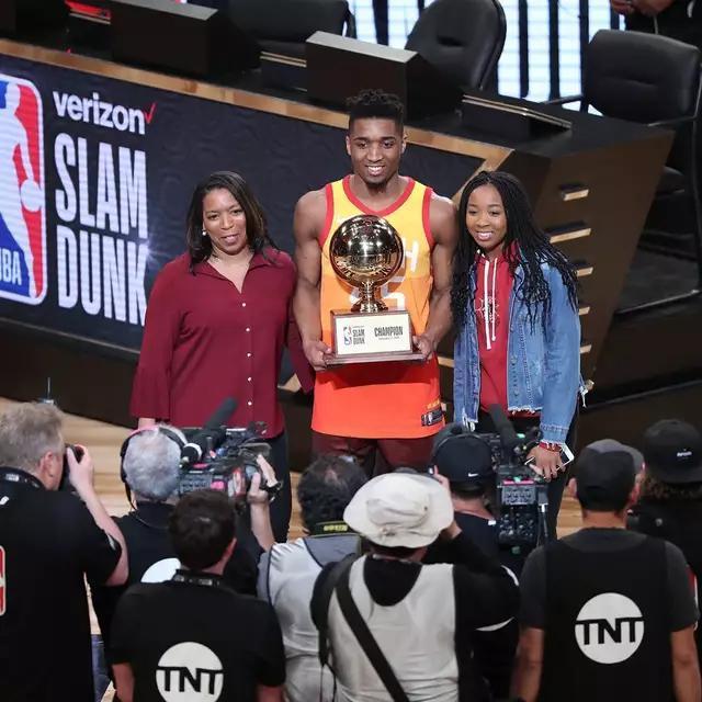 扣篮大赛赛后采访,小南斯暗示冠军应该是他?